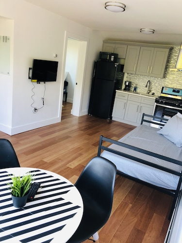 Prime Brooklyn Location 2 Blocks Away From Train With Parking !