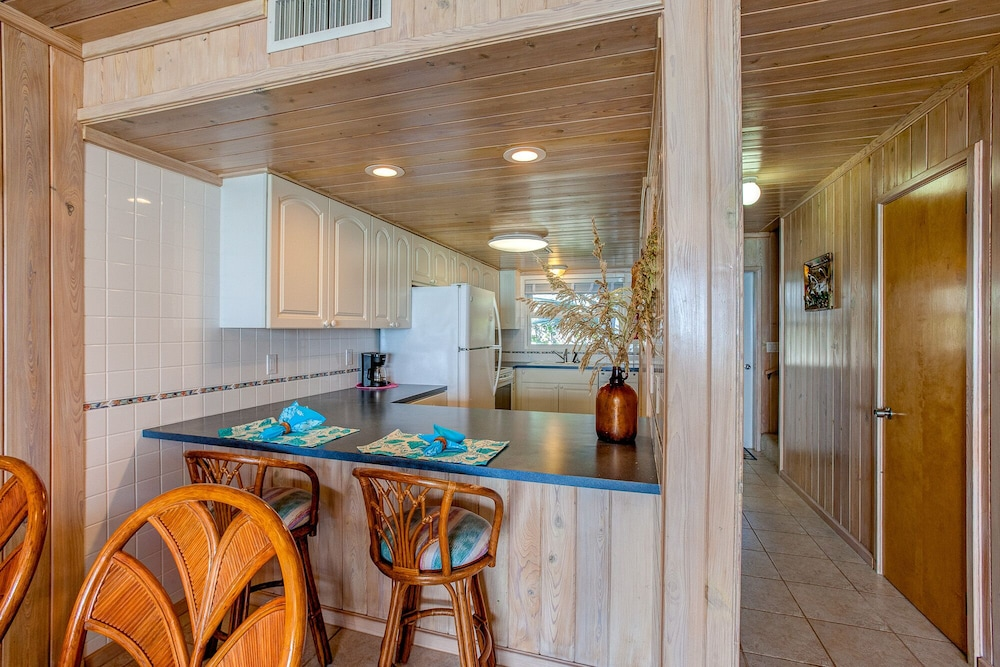 Private Kitchen, Schooner's Landing Ocean Club - Ocean Front - Townhouse #3, Man-O-War Cay, Abaco