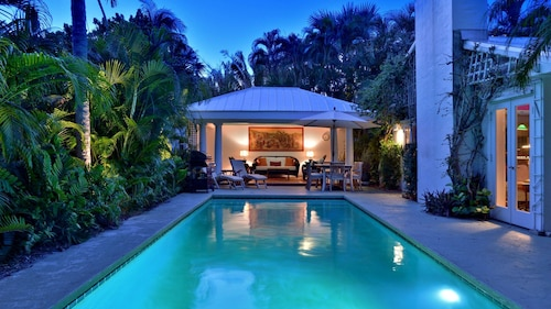 Exotic Villa ~ Five Minute Walk to the Beach