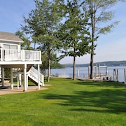 Winnipesaukee Waterfront, 45 Private Dock, Sandy Beach, Booking 4 Seasons