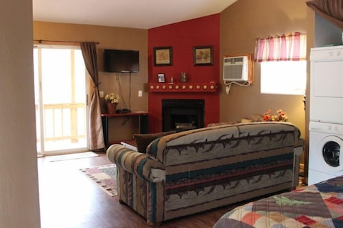 Great Place to stay Just the 2 of Us Studio Bedroom 1 Bathroom Cabin near Sautee Nacoochee