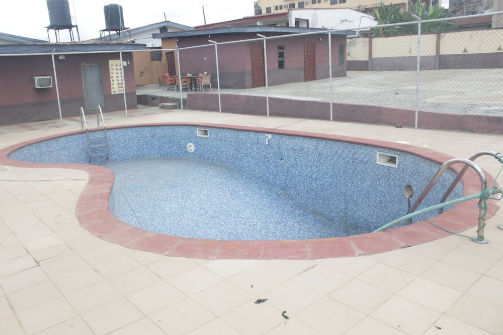Outdoor Pool, Hilton Hotels Ile Ife