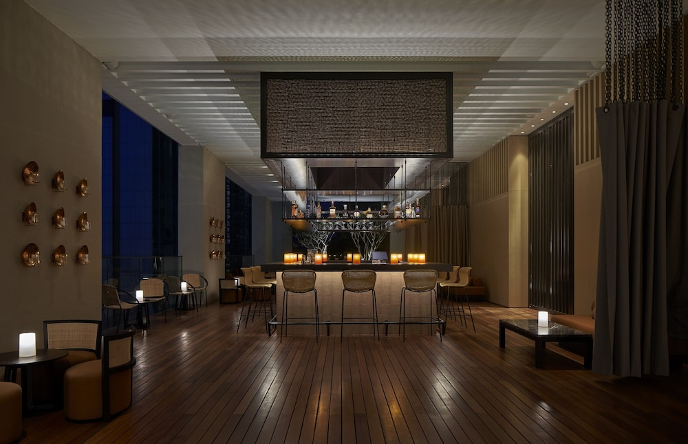 Poolside Bar, The RuMa Hotel and Residences