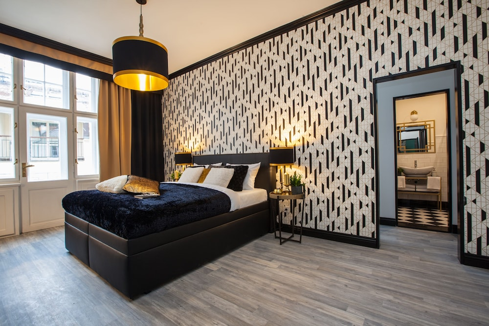 Featured Image, Golden Prague Rooms