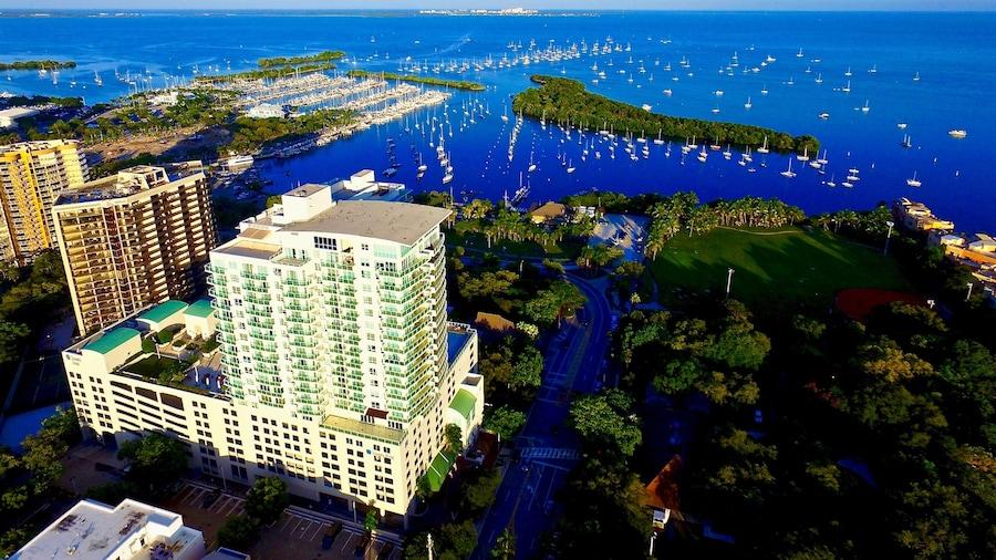 iCoconutGrove- Luxurious Vacation Rentals in Coconut Grove