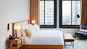 Frette Italian sheets, premium bedding, in-room safe, blackout drapes