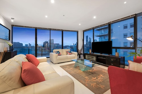 3 Bedroom Sub - Penthouse Southbank