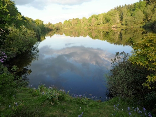 Romantic Lakeside Cottage Sleeps 3 Near Edinburgh SET Within Private Estate