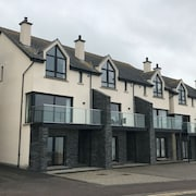 4 Bedroom Townhouse in Portballintrae - Near Bushmills and Giants Causeway