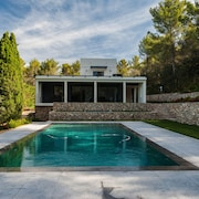 A Beautiful Contemporary in a Very Residential Area of Aix en Provence