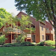 Ious 2 Bed Condo At Crystal Mountain Resort Bedrooms Bathrooms