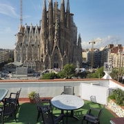 Gaudi's Nest Apartments