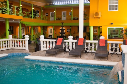 Beverly S Oasis Suites