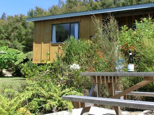 Mamaku Cabin - Ao Marama Retreat - Stunning Bush Setting and Ocean Views