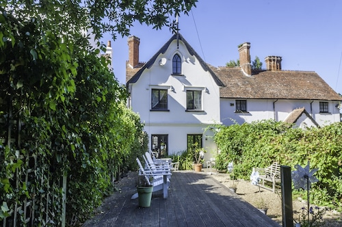 Four Bedroom Holiday House Bembridge - 200 Yards From Beach - Good Reviews