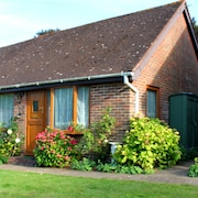 Delightful Holiday Cottage Close to Eastbourne in the Grounds of a Manor House