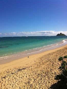 Lanikai Kailua Home With Private Pool Steps From The Beach