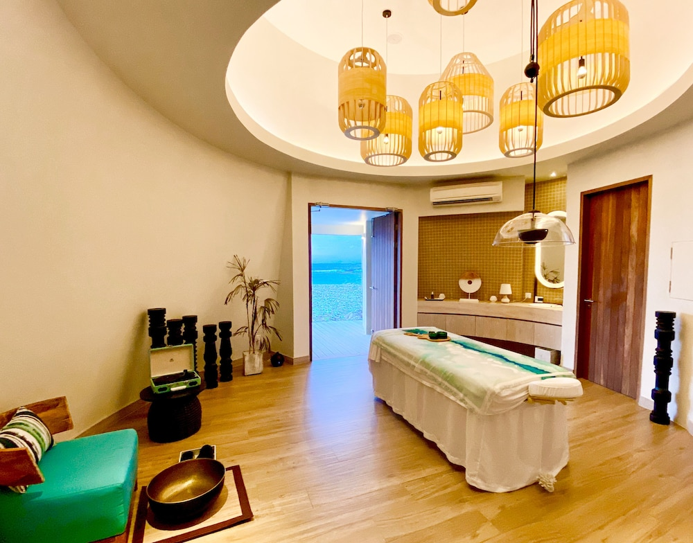 Spa Treatment, Hard Rock Hotel Maldives