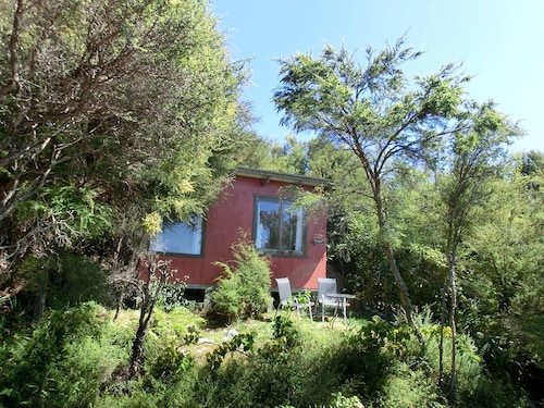 Pi Honi Cabin - Ao Marama Retreat - Stunning Bush Setting and Ocean Views