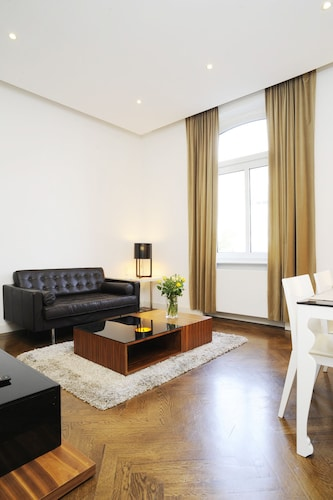 Serviced 2-R Apartment m. Fully Equipped With Wi-fi, Cleaning, Laundry Service