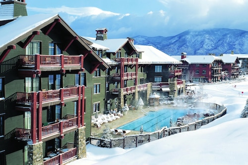 Aspen Christmas - Highlands Ritz, 3 Bdrm, Mtn View, ski In-out!