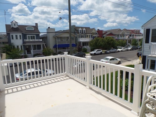 Bayfront 2ND Floor Magnificent Views 1 Block TO Beach