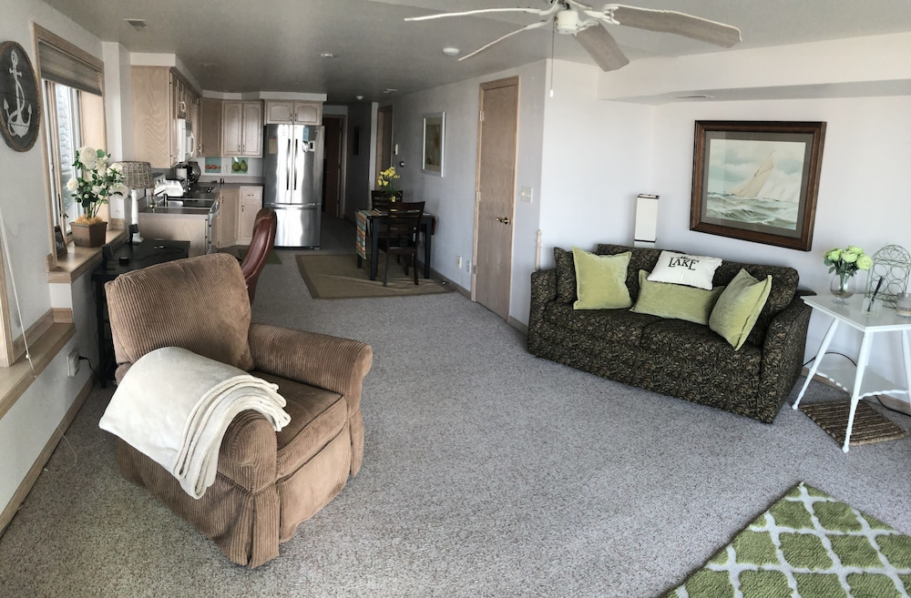 Featured Image, Lake Condo 1 Bedroom