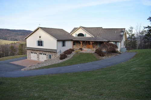 Amazing Mountain Retreat Minutes From Penn State/beaver Stadium