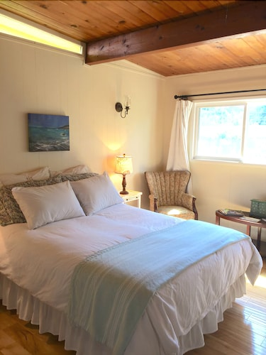 Wonderful Cambria Cottage Retreat