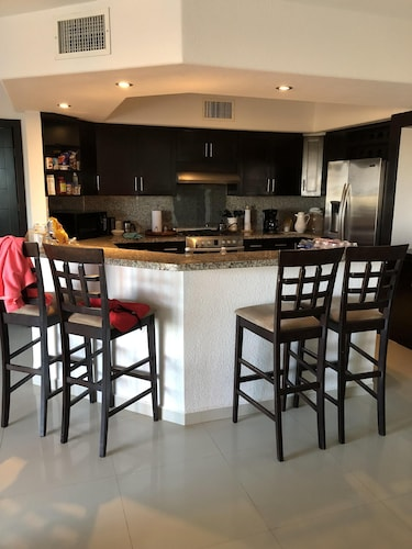 Private Kitchen, Villa Playa at Laguna Shores