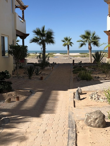Property Grounds, Villa Playa at Laguna Shores