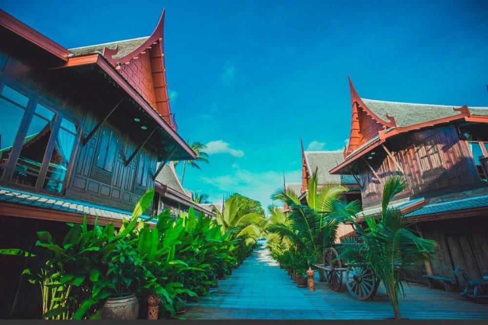 Thai dating siti gratuiti