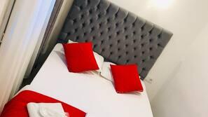 1 bedroom, desk, free WiFi, bed sheets