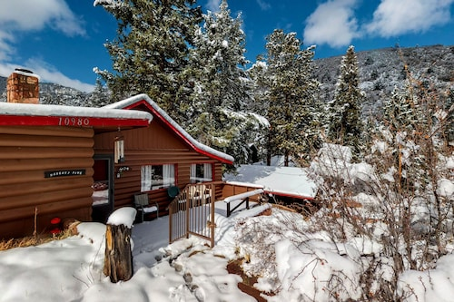 Cozy Colorado Cabin With Large Deck, Free Wifi, Quiet Location