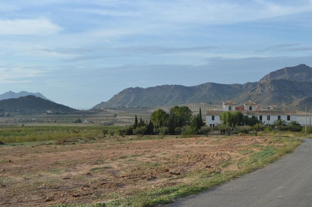 Property Grounds, Cortijo de los Castellanos