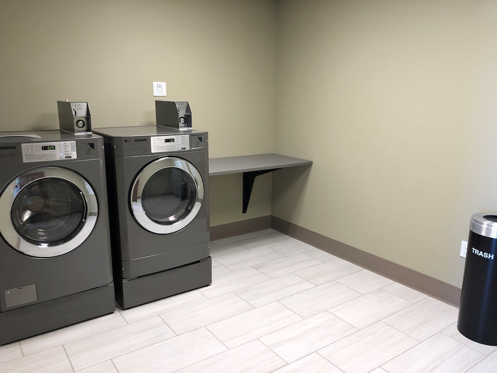 Laundry Room, Holiday Inn Express & Suites Springfield North