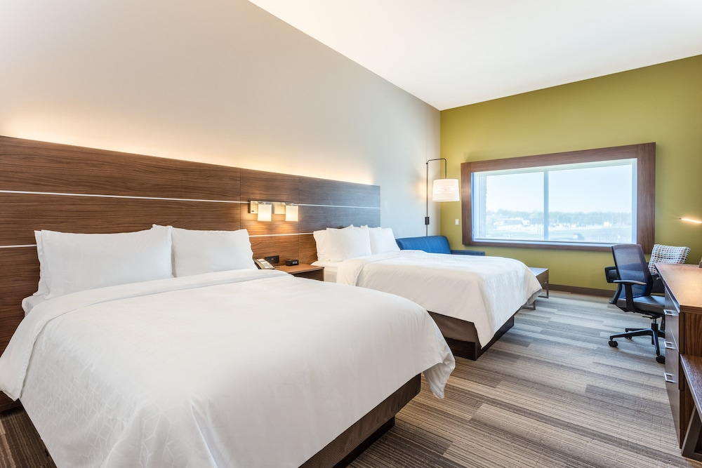 Room, Holiday Inn Express & Suites Springfield North