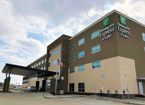 Holiday Inn Express & Suites Springfield North