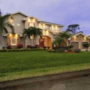 Palm River Estate - Five Bedroom Home