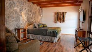 Minibar, caja fuerte, cortinas opacas y ropa de cama