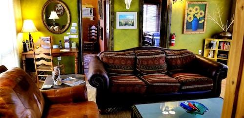 Great Place to stay Todos Santos JoshuaDesertRetreats near Twentynine Palms