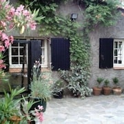 Cottage With Nice Garden, l km From the sea , Bycicles Available