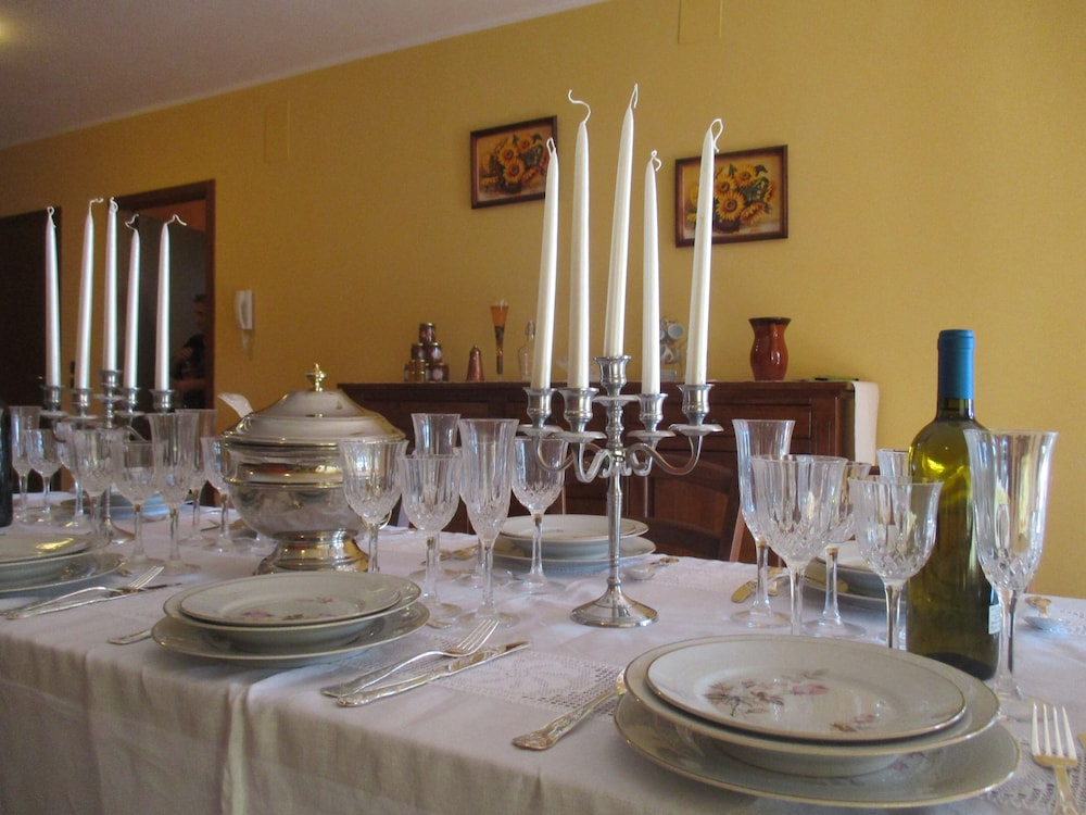 In-Room Dining, Villa GLI Olivi 10 Minutes From Panicale Special 2020! Perfect FOR 16 PX