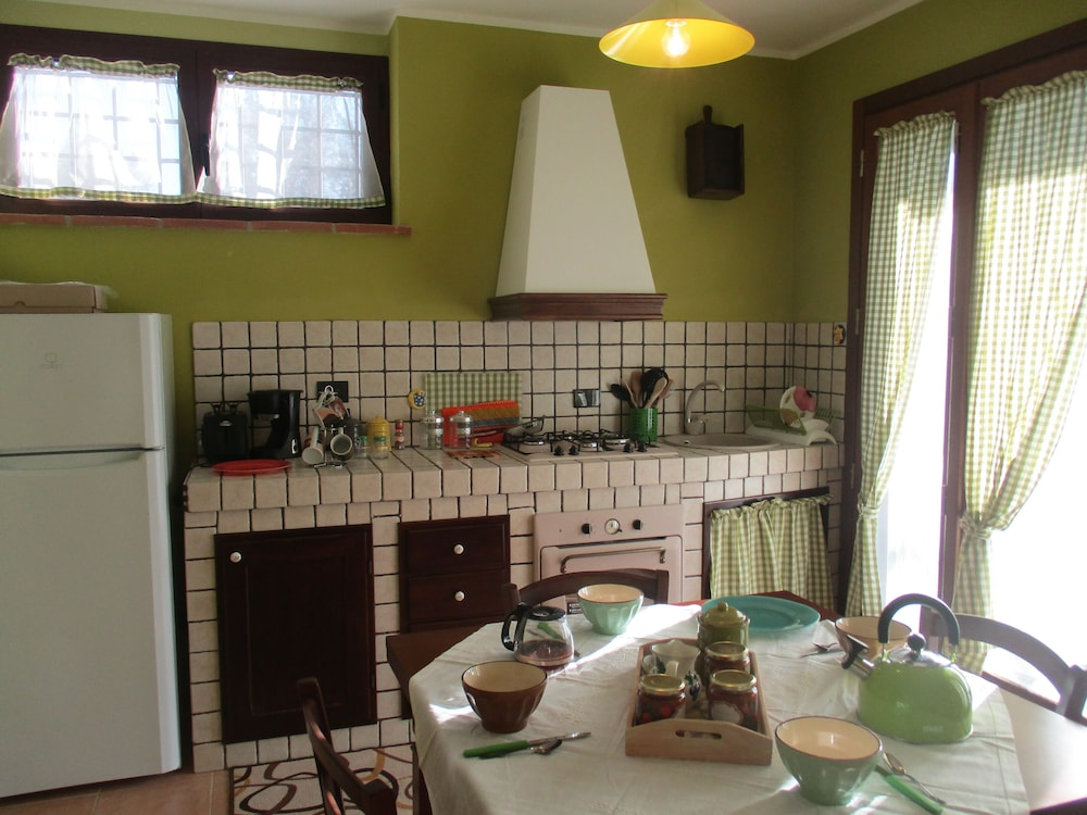 Private Kitchen, Villa GLI Olivi 10 Minutes From Panicale Special 2020! Perfect FOR 16 PX