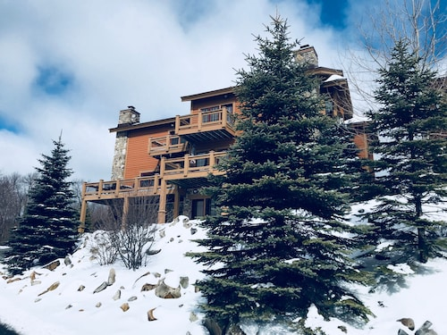 Great Place to stay 7 Springs Southwind Mountaintop Townhome ... Ski In/ski Out .. Clubhouse /pool near Seven Springs