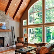 Muskokan Resort Club Villa - Upscale Cottage On Lake Joseph