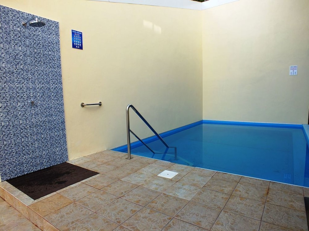 Studio Apartment has 2 Singles Beds Wheelchair Accessible With ...