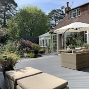 Stunning Surrey Hills Home - Sleeps 10