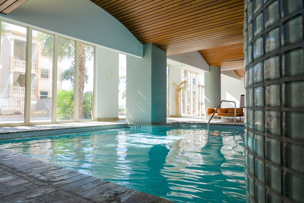 Pool, Beautiful Ocean Views w/ Seasonally Heated Pools, Grill, & Free Beach Chairs!