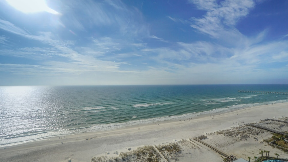 Beach, Beautiful Ocean Views w/ Seasonally Heated Pools, Grill, & Free Beach Chairs!